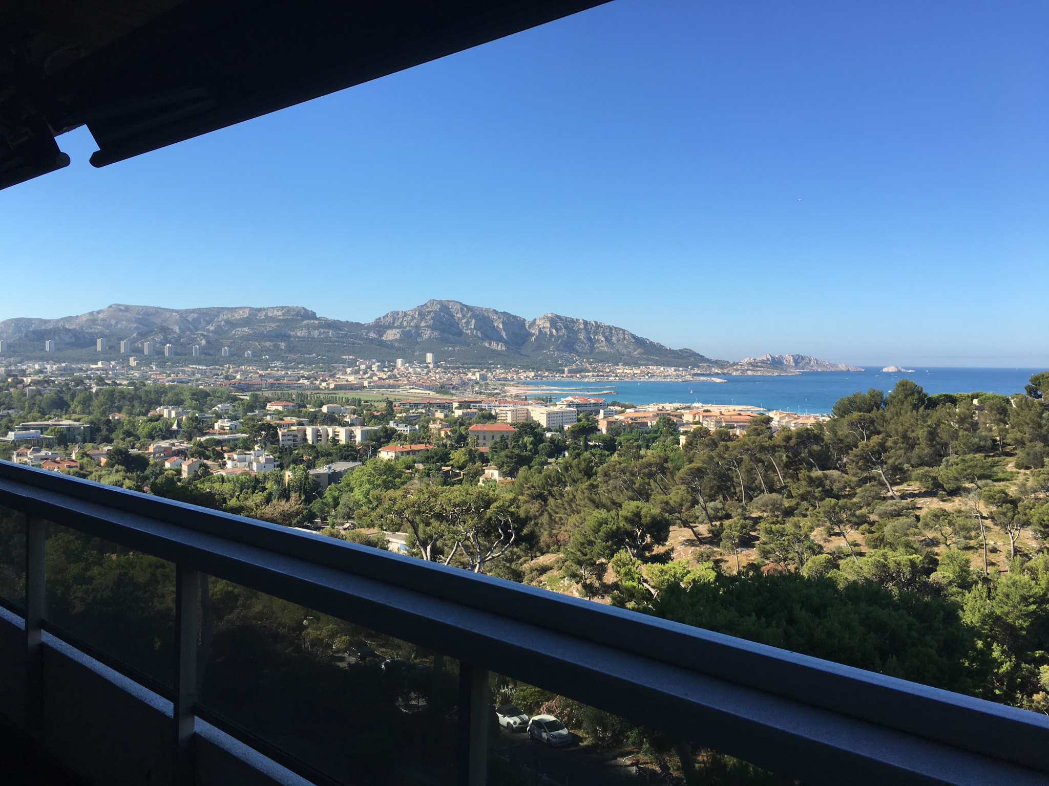Vente appartements et maisons marseille 13007 13008 for Appartement 13006 terrasse